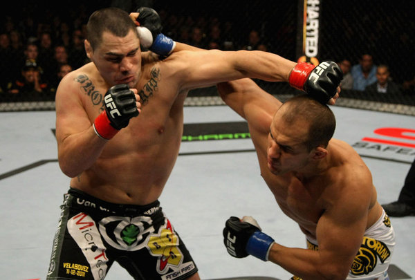 Post Thumbnail of Vídeo da luta: Cigano vs Velasquez - UFC 155