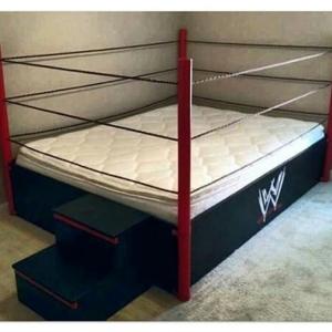 Quem quer uma cama dessas pra dar pros filhos levanta…